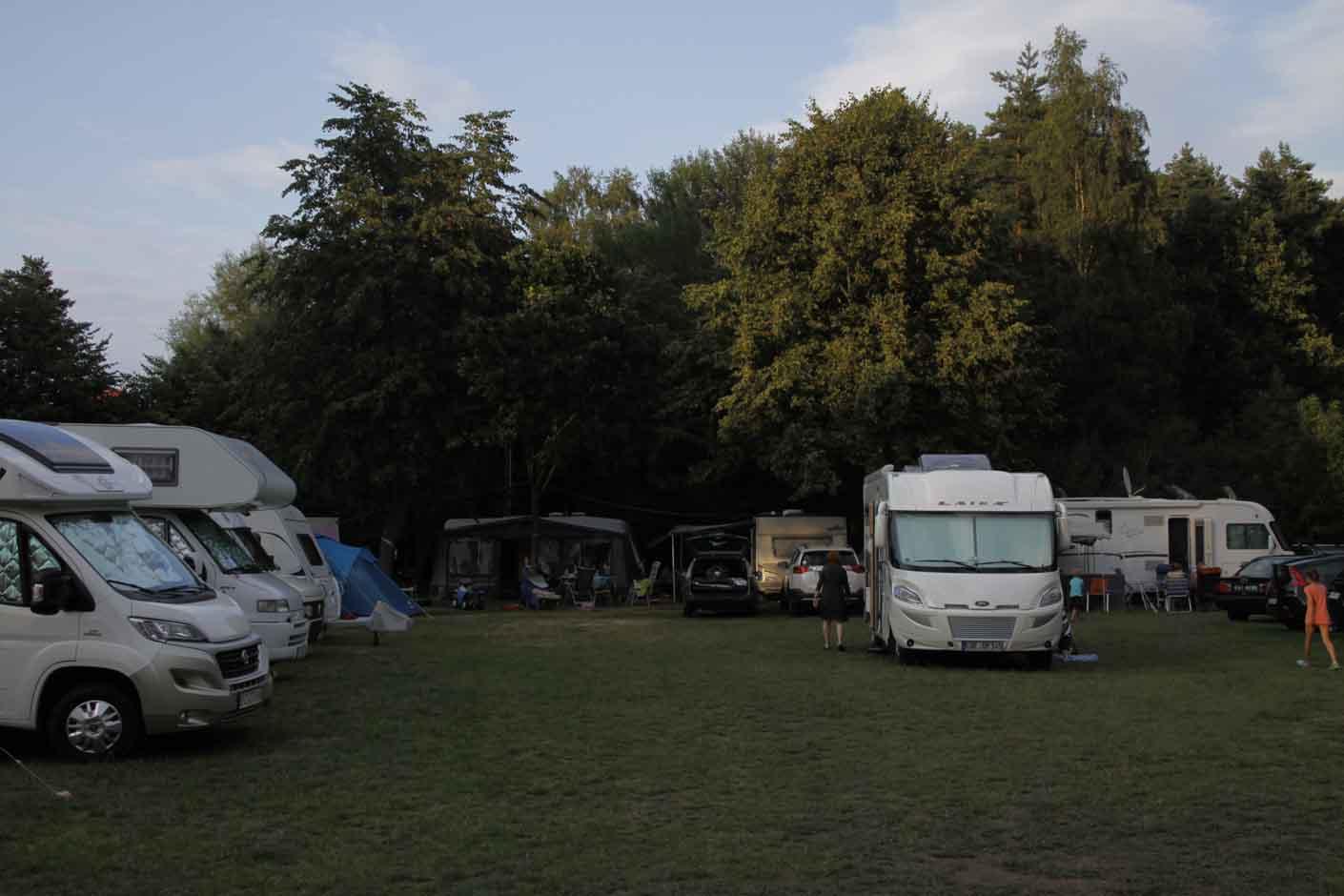 Keja pole namiotowe, kemping, pokoje w Pustkowie