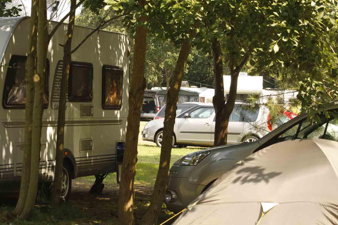 Pole namiotowe camping nad morzem KEJA.